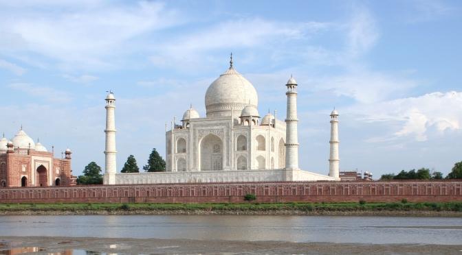 তাজমহল নির্মাণে পেছনের গল্প